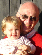 photo of Arthur Forer and his granddaughter