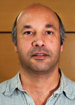 Professor Andrew White headshot